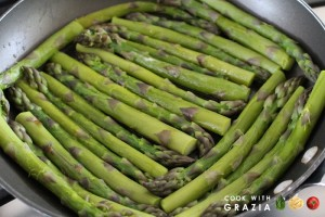 asparagus in skillet