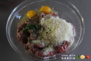 meatball ingredient mix