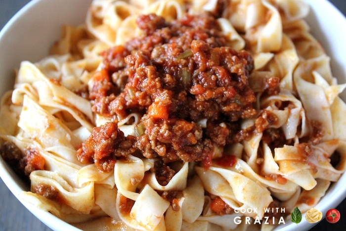 tagliatelle with meat sauce