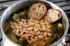 add ingredients to ribollita